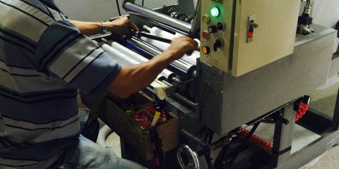 Chia cuộn giấy nhiệt Double K từ nguyên liệu khổ lớn